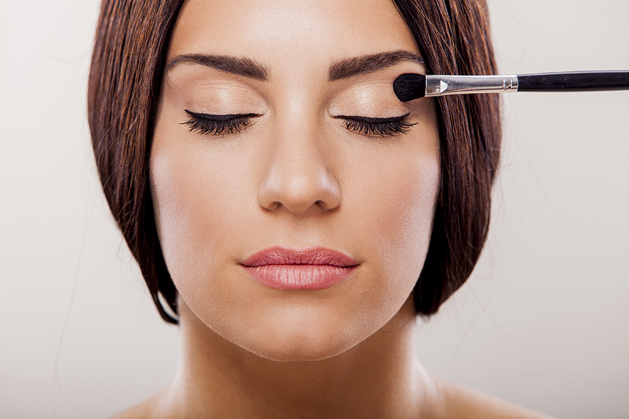 maquillaje y lentes de contacto